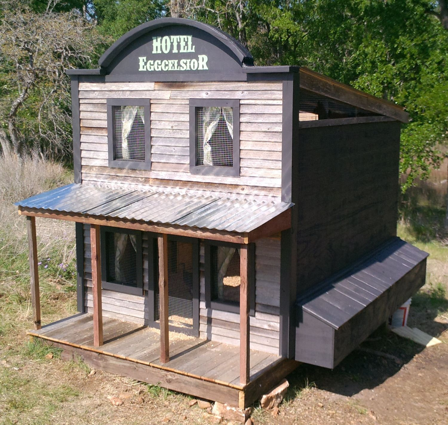 20 Of The Most Awesome Chicken Coops That Combine The