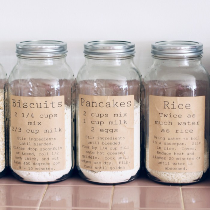 https://www.thecountrychiccottage.net/pantry-organization-labels